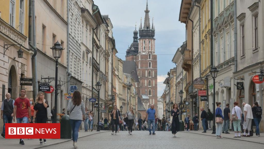 Covid: Poland and Turkey have been added to the UK's isolated list when fines increase