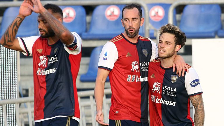 Nahidan Nandes is congratulated after scoring a goal for Cagliari on Saturday