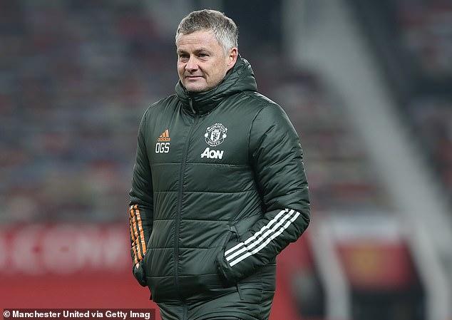 Lee Dixon believes Ole Gunner Soulschauger and his stars 'learn the way of Manchester United'