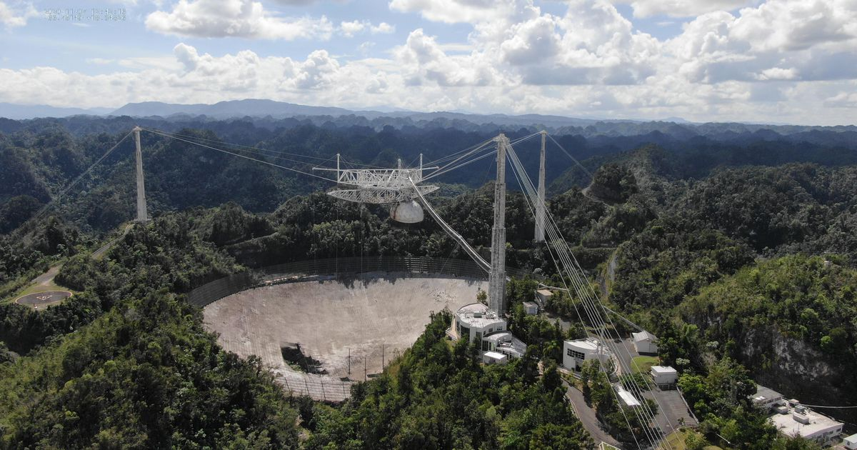Take a look at the unreal drone footage of the catastrophic collapse of Arecibo Lab