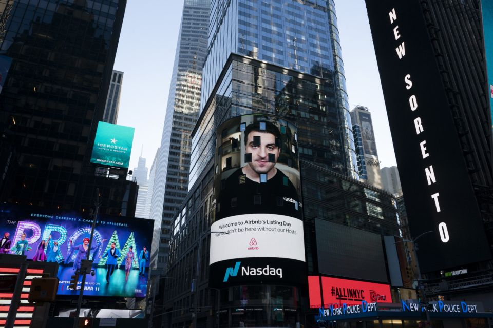 On Thursday, December 10, 2020, at the Nasdaq Marketplace in New York, Airbin CEO Brian Cesky was shown on an electronic screen.  The San Francisco-based online holiday rental company holds its IPO on Thursday.  (AP Photo / Mark Lennyhan)