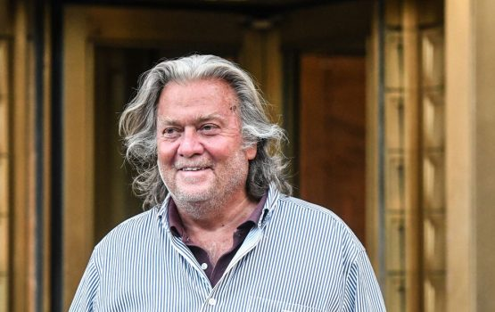 Donald Trump Pardons Steve Bannon on a last-minute call before leaving the White House – World News