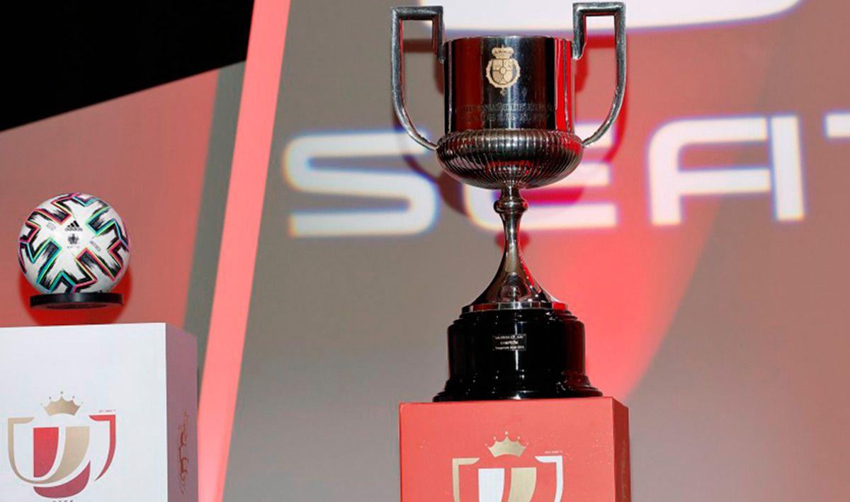 Continue the quarter-final draw …