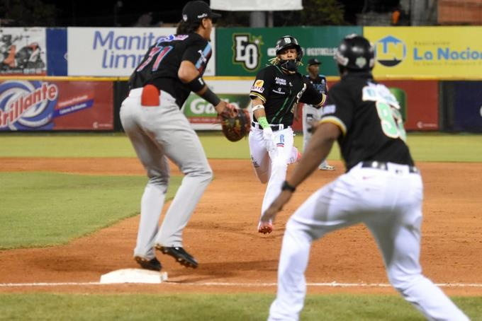 Gigantes del Chibao final, Kelvin Guttierez home run and hit and 4 drives