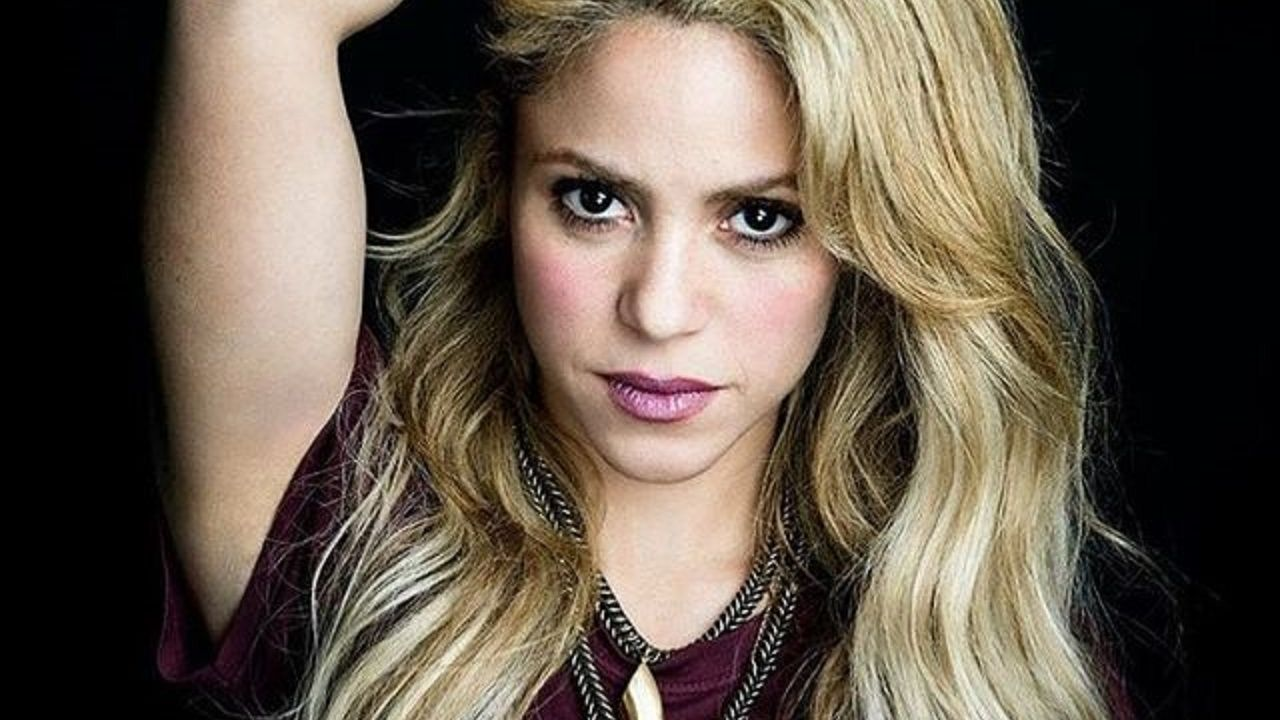 On the beach, without a blouse: Shakira took all sighs