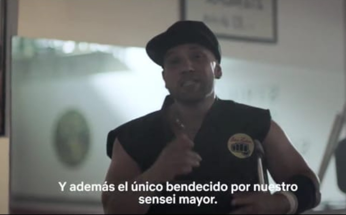 "Video |  Netflix promotes Cobra Kai 3 as ""Sensei"" from Barras Praderas"