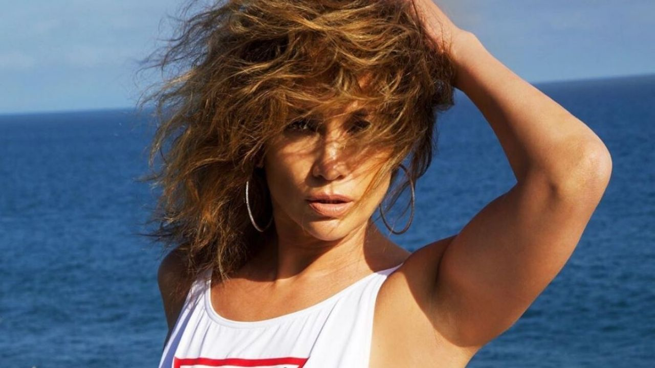 Without pants he does extreme sports: JLo made the curls shiver by showing his more athletic side