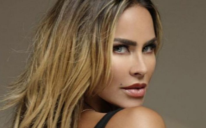 Ayln Mujica is raising the temperature on Instagram in a bold little black bikini
