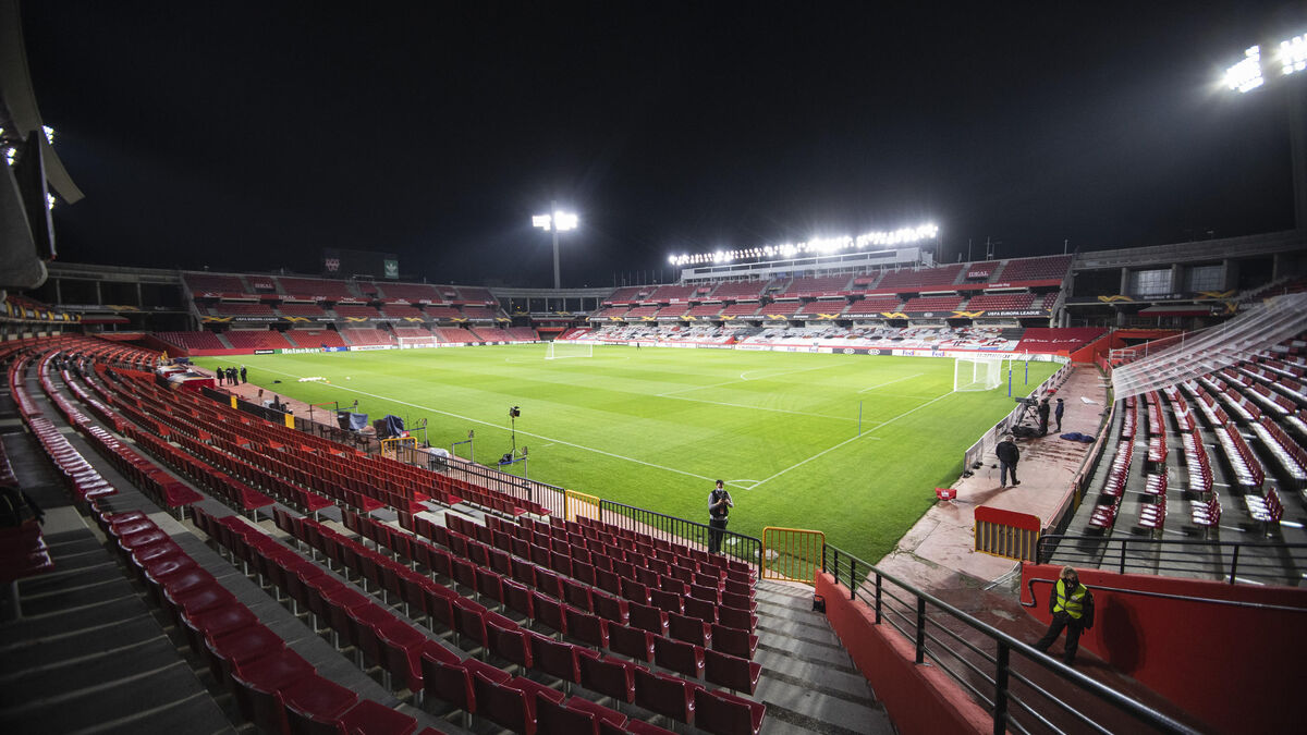 Health has a Los Carmenes mass vaccination stadium in Granada