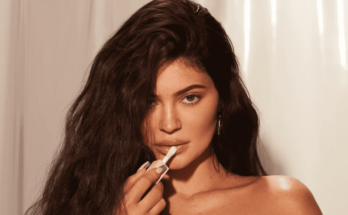 burning!  Kylie Jenner Introduces New SKIMS Line