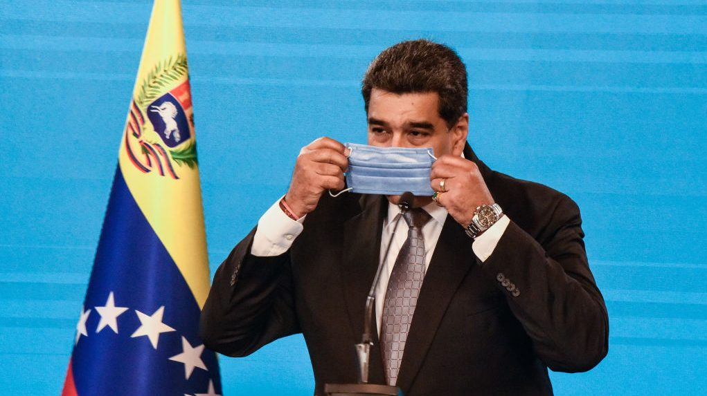Nicolas Maduro applies the first dose of the Russian Sputnik-V vaccine