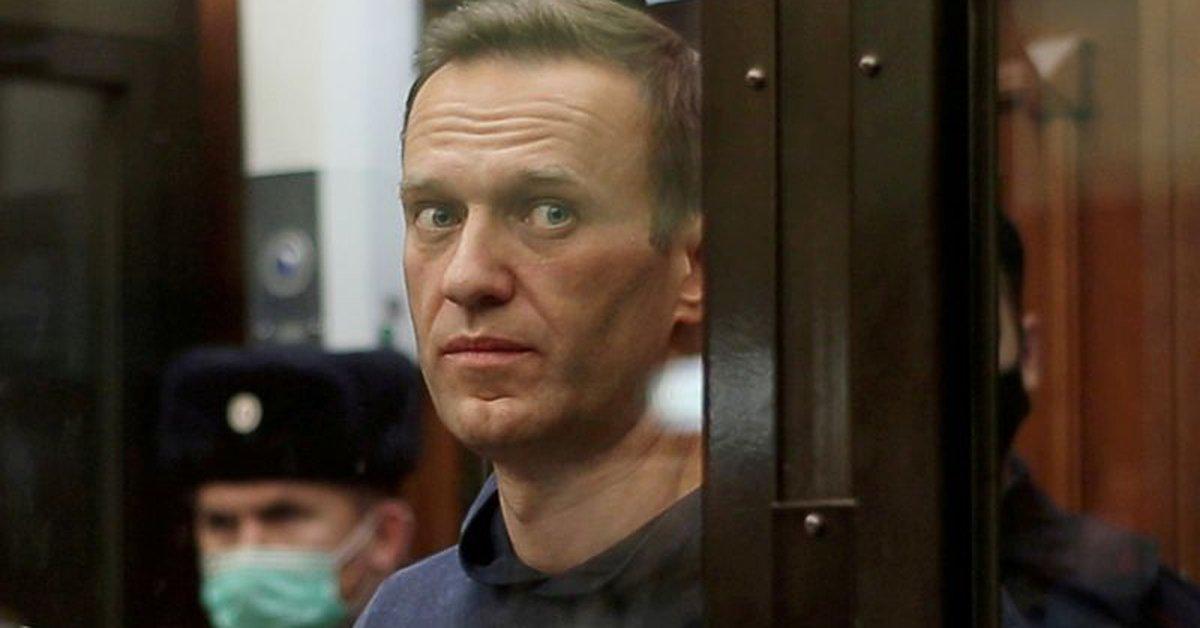 Russian opposition activist Alexei Navalny has begun a hunger strike in prison