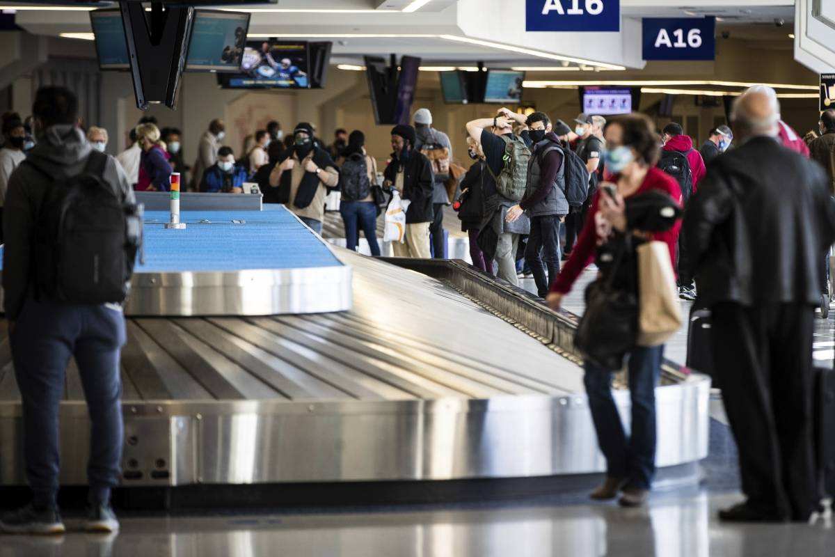 Aggression at Luis Muñoz Marin Airport for wearing a mask