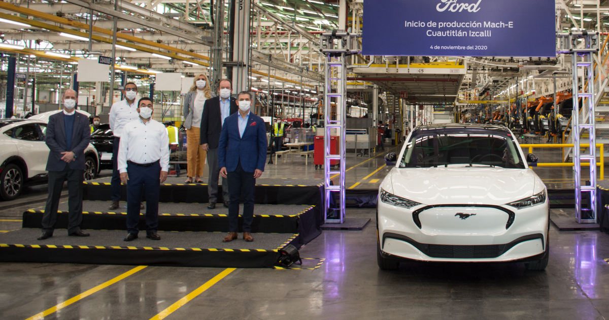Ford builds a second electric car in Mexico and the American Federation is raging