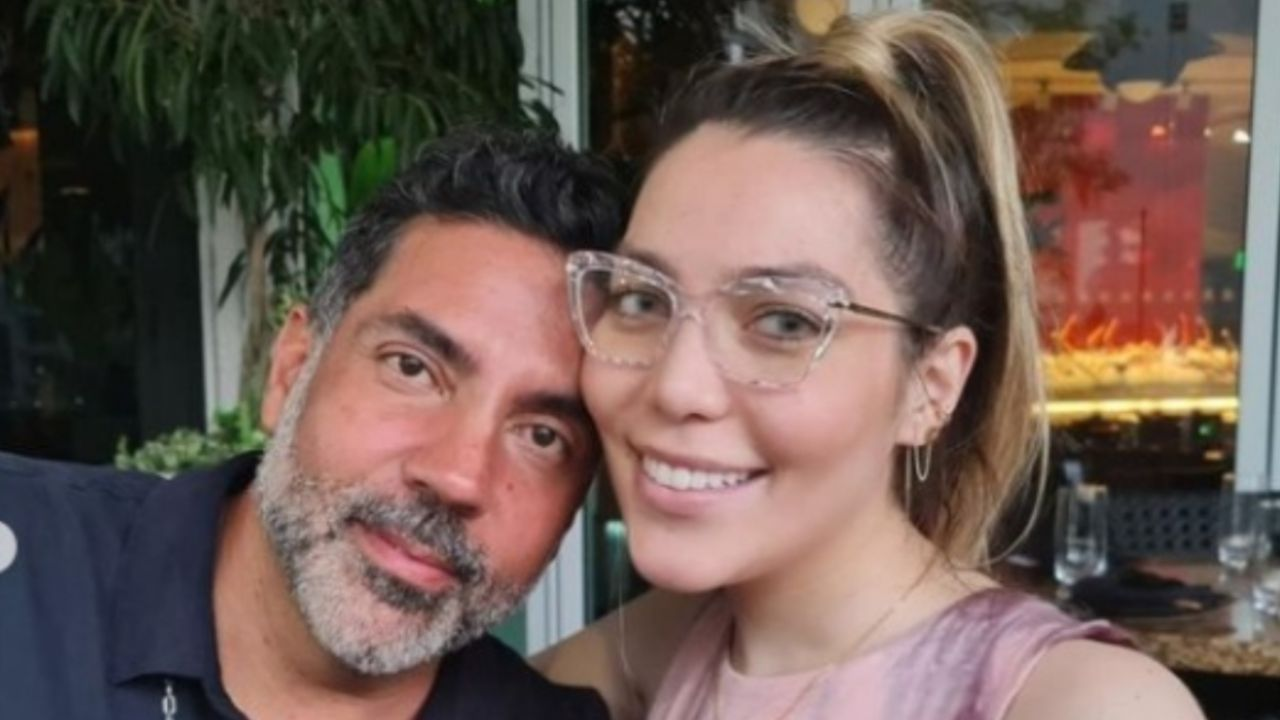 Frida Sofa: This was a reunion with her father, Pablo Moctezuma, what do you think Alejandra Guzmán?  |  Pictures