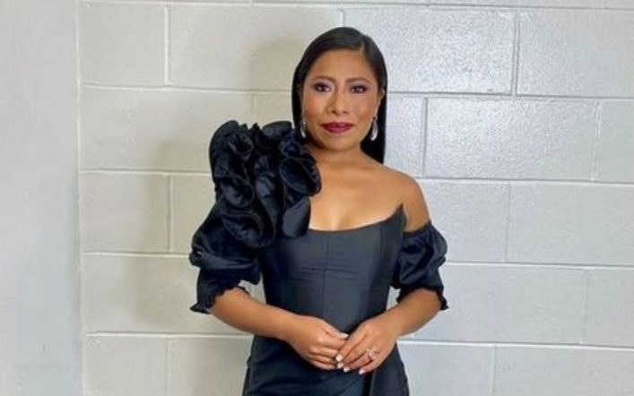 Golden Globes 2021: Yalita Aparicio's beautiful Mexican dress
