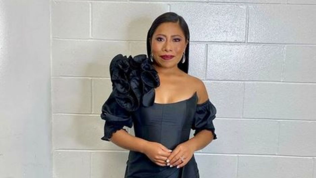 Golden Globes 2021: Yalita Aparicio's beautiful Mexican dress