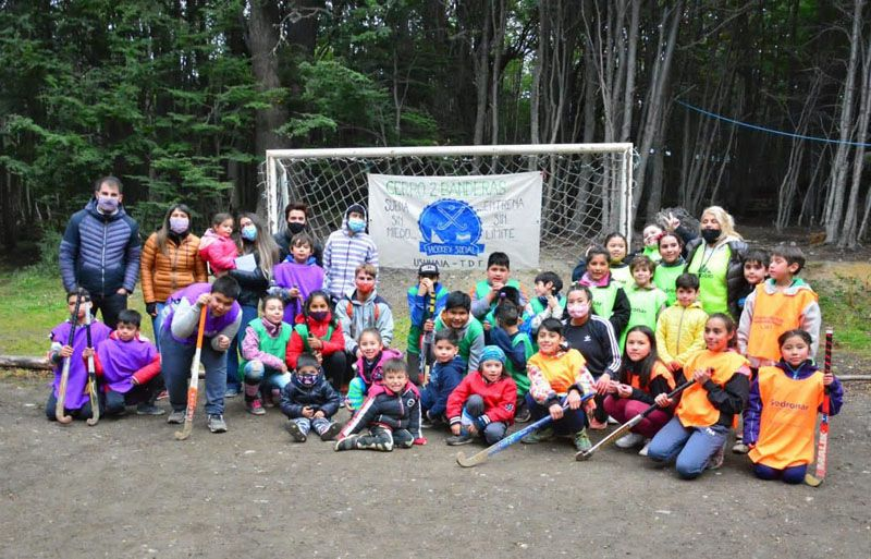 Social hockey had its place in the neighborhood of Dos Banderas