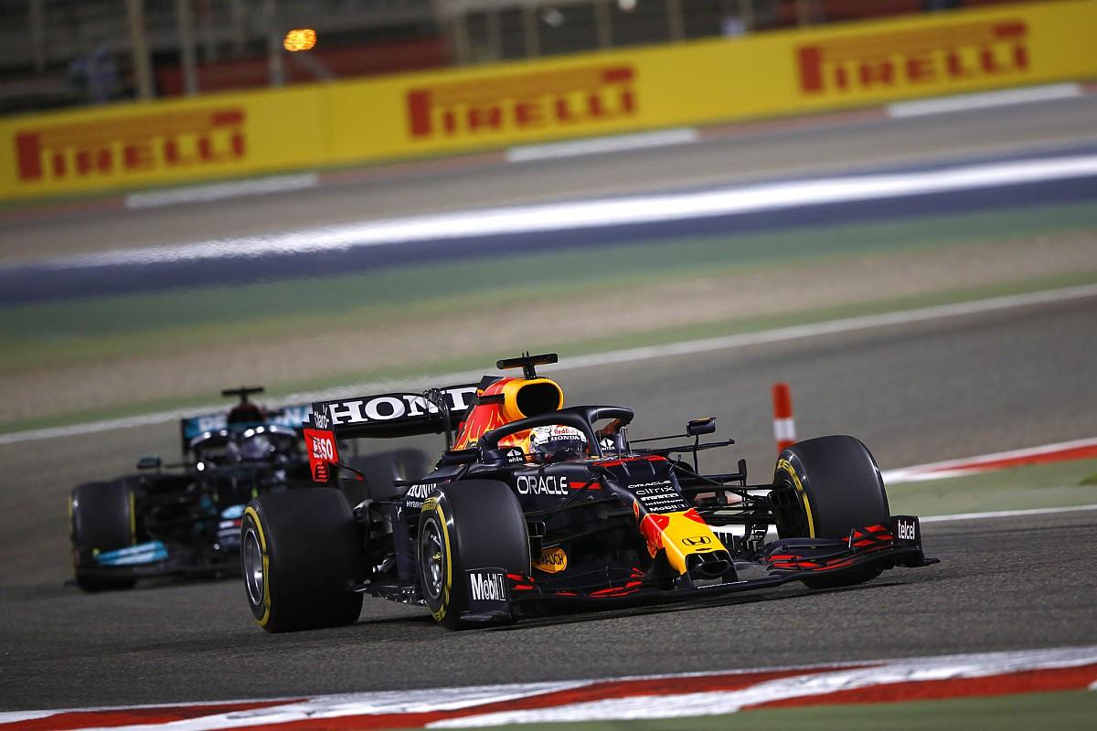 "Verstappen will ""smash"" Hamilton in a Mercedes F1"