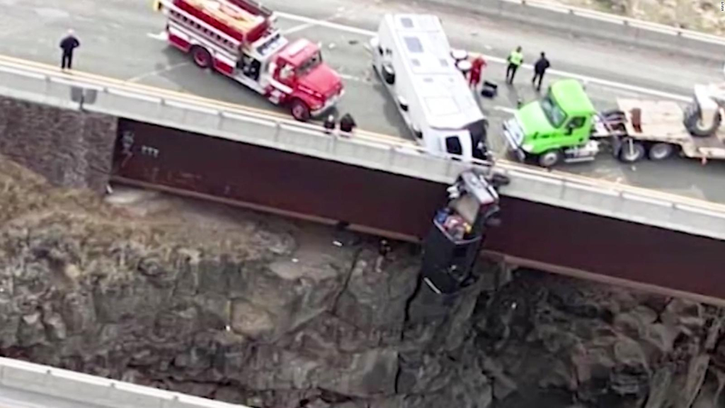 They rescue a married couple who got stuck from the car after an accident
