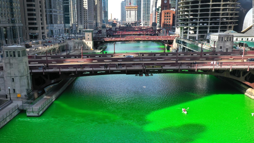 Watch the Green River in Chicago to celebrate St. Patrick's Day