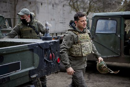 Ukrainian President Volodymyr Zelensky visited armed forces positions near the front line with Russian-backed separatists in the Donbas region (Ukrainian Presidential Press Service / Post via Reuters)