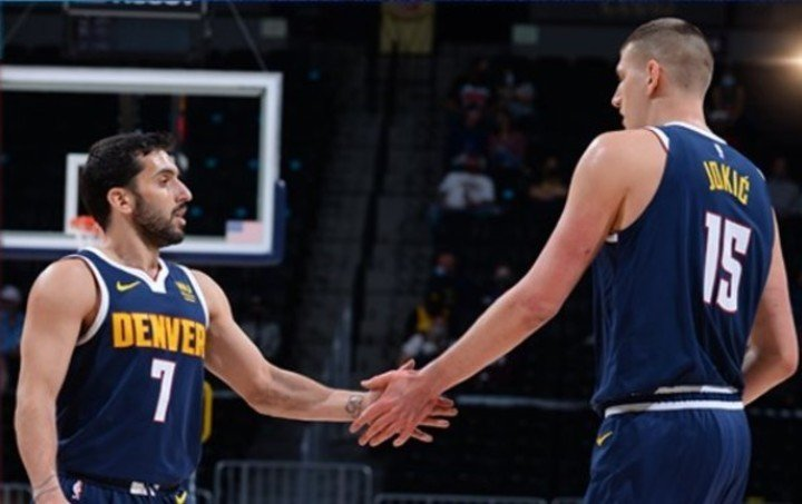 Campazzo with Nikola Jukic, the great character in the team.  Image: Denver Nuggets Press.