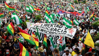 File photo: People protest on March 15, 2021 against the arrest of former interim president Janine Anez, in Santa Cruz (Bolivia) (EFE / Juan Carlos Torrejon)