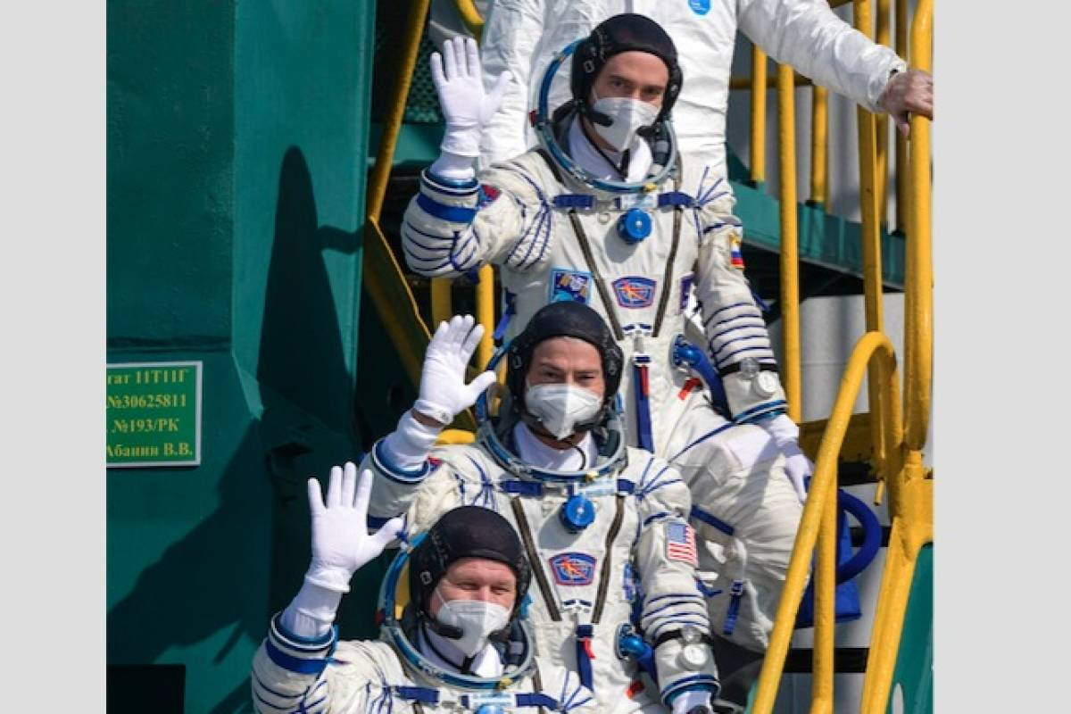 Astronauts from the United States and Russia are leaving for the International Space Station