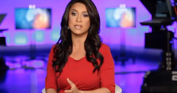Honduran journalist Dunia Elver is hosting the amazing Telemundo News
