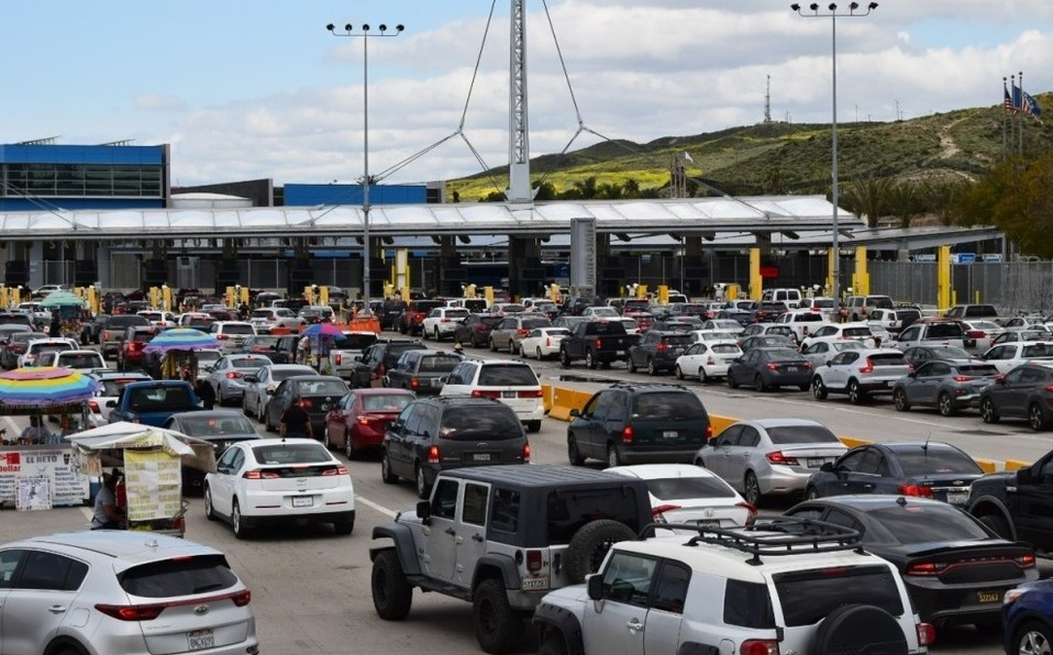 Mexico and the United States extend border controls