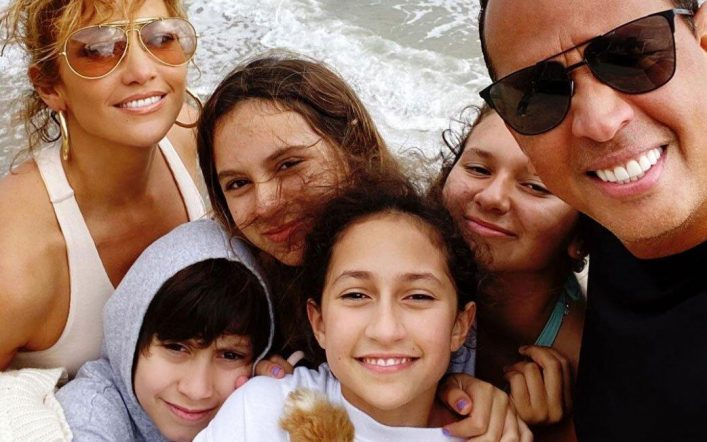 Alex Rodriguez raises controversy with his latest networking picture: A message to JLo?