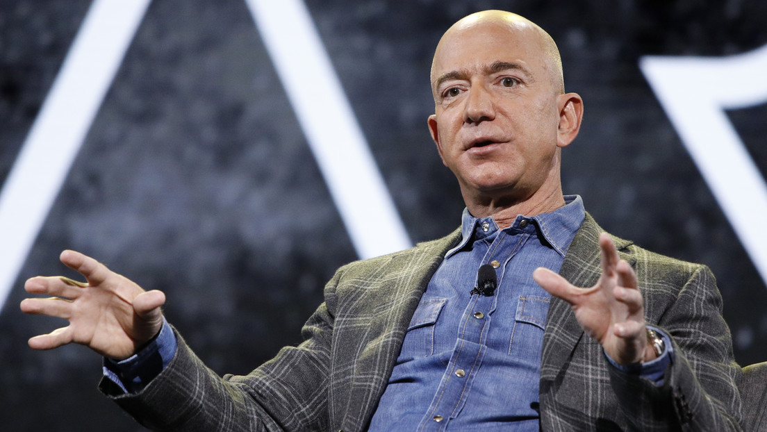 Jeff Bezos sets a date for his departure from Amazon as CEO
