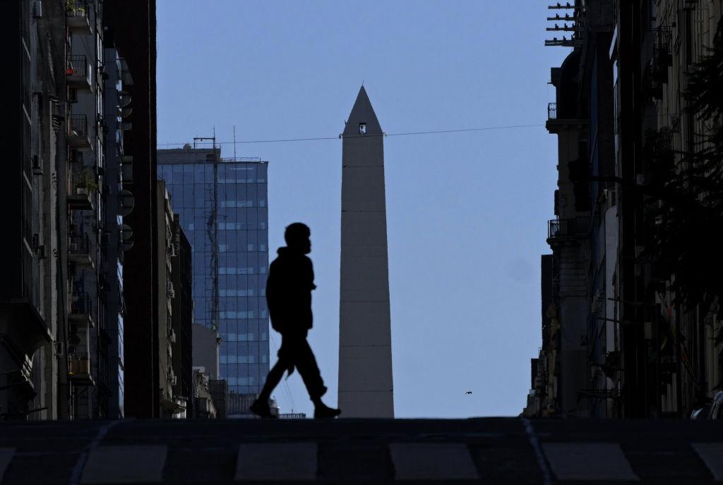 Argentina begins on Saturday in strict confinement