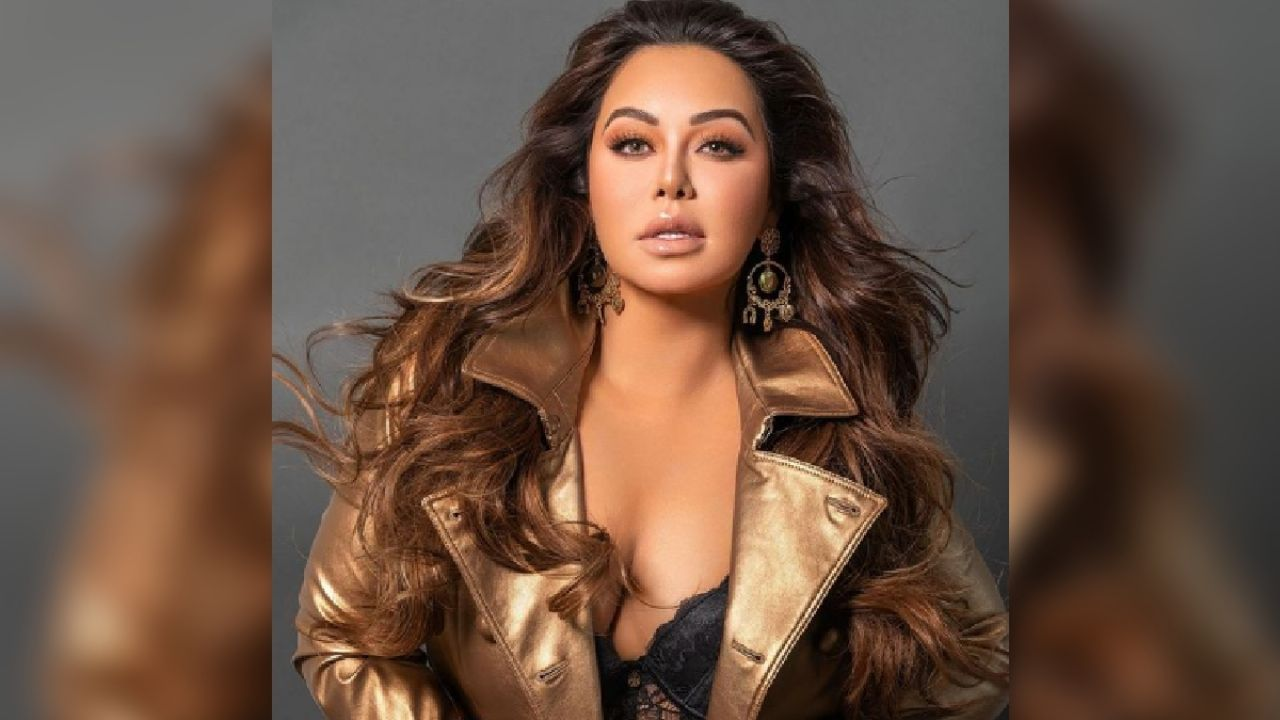 Chiquis Rivera achieves a flat stomach and a small waist with the chupapanza magic treatment