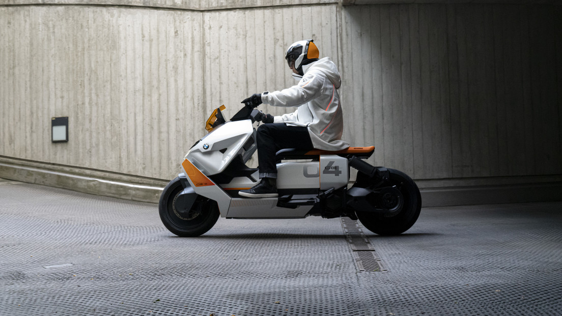 Photos: The prototype of the new futuristic BMW scooter is road tested