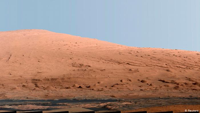 Image acquired with Curiosity cameras.