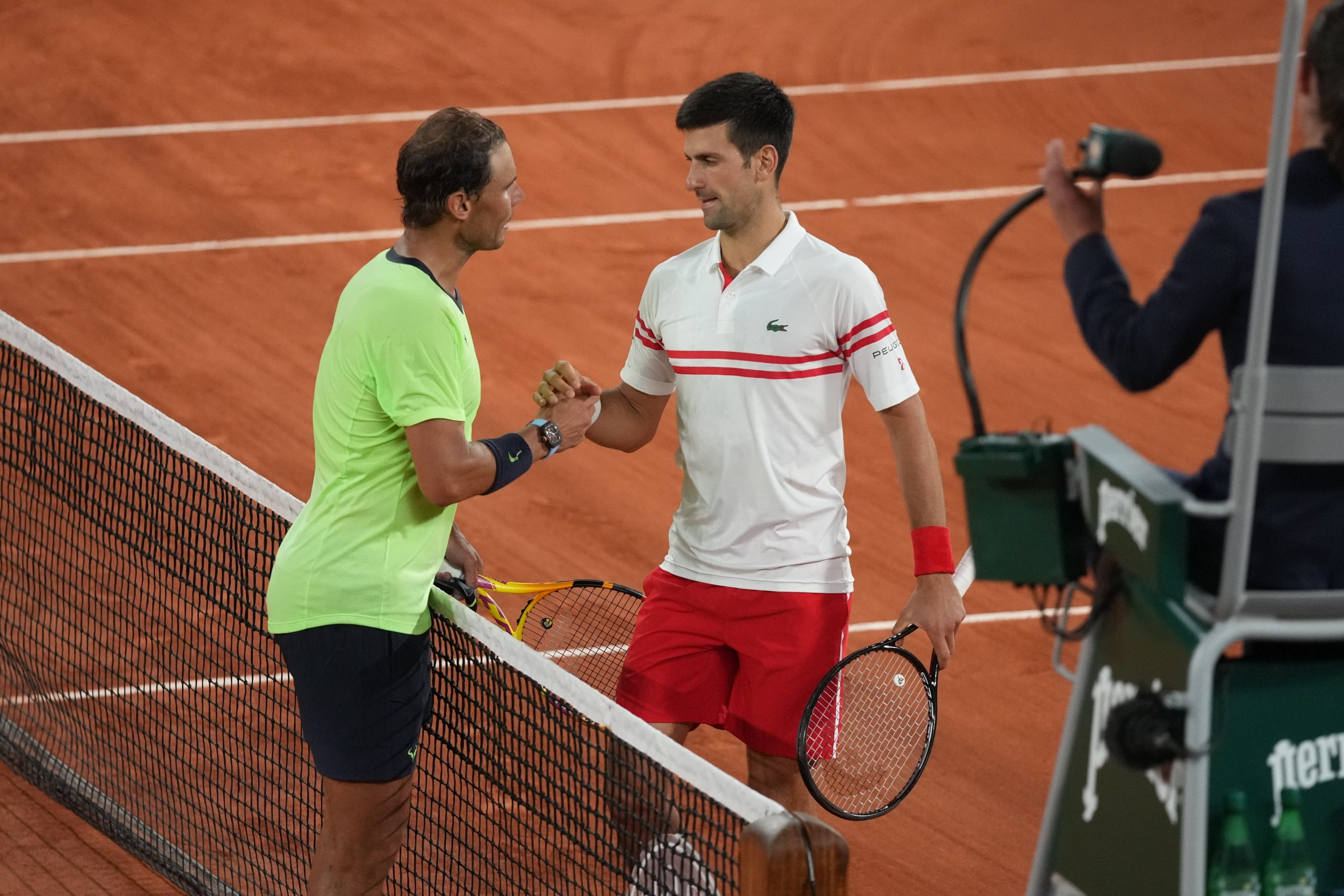 Djokovic defeats him and goes on to the final
