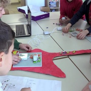 Explore science with microbots for teaching