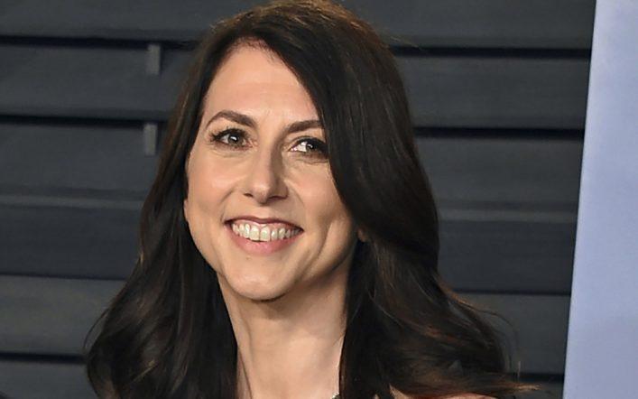"Jeff Bezos' ex-wife donates more than $ 2.7 billion to ""people's empowerment"" organizations"