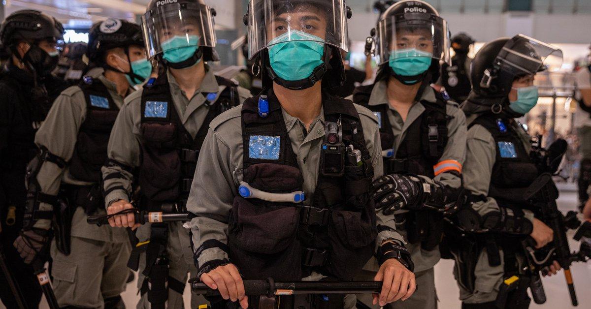 Apple Daily editor arrested at Hong Kong airport