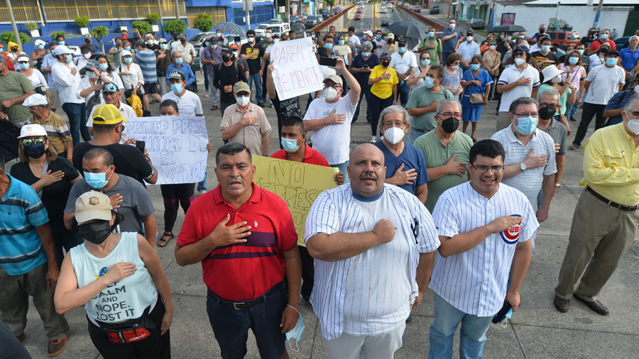 'Bukele Dictator': Citizens' resistance movement says during protest against violation of constitution