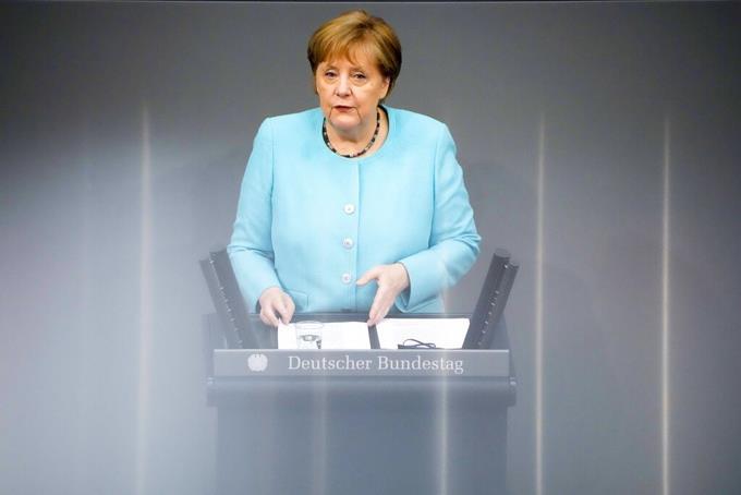 Merkel: Delta version puts Europe 'on a tightrope'