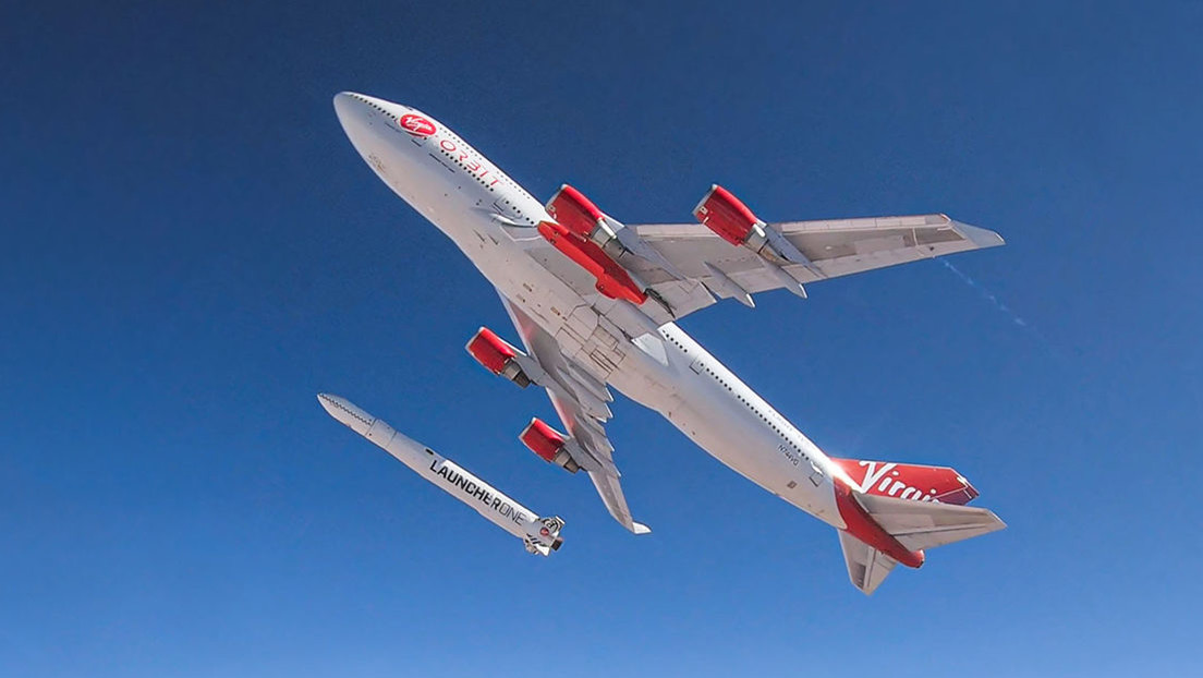 Richard Branson's Virgin Orbit launched the first commercial satellite rocket directly from a Boeing 747 (video)