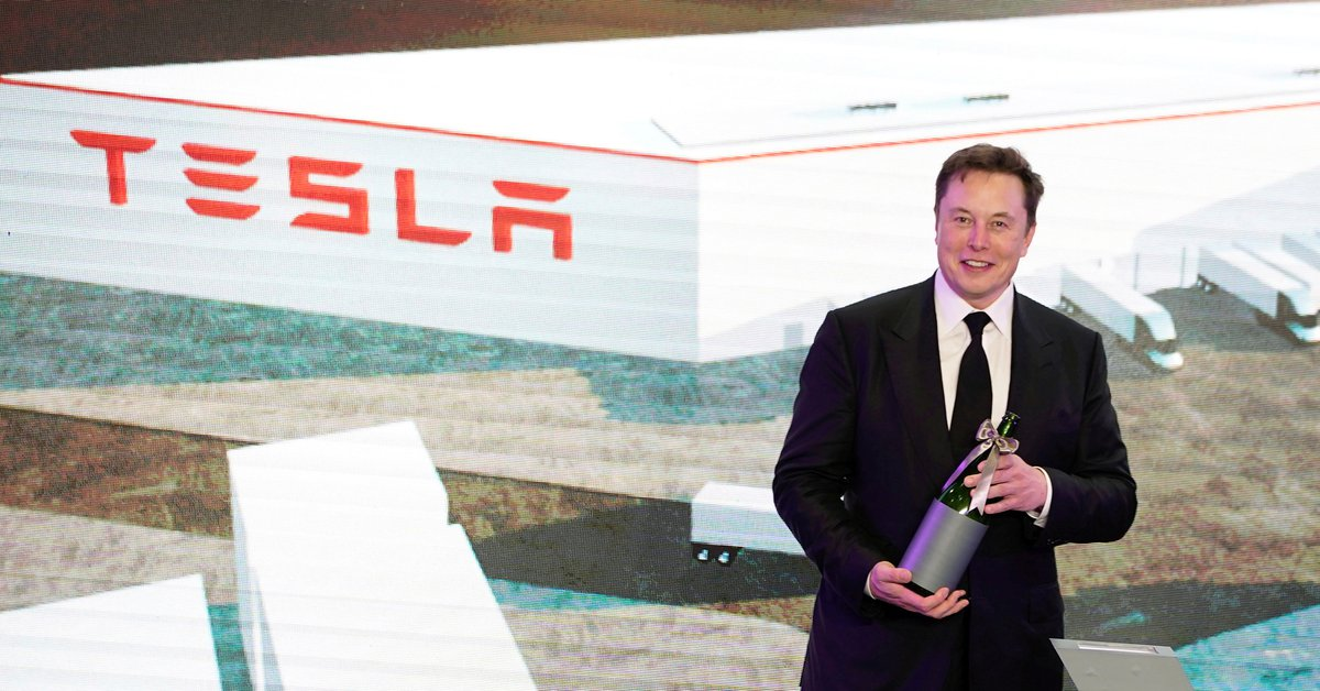 What Elon Musk said about rumors of negotiating with Apple to sell Tesla