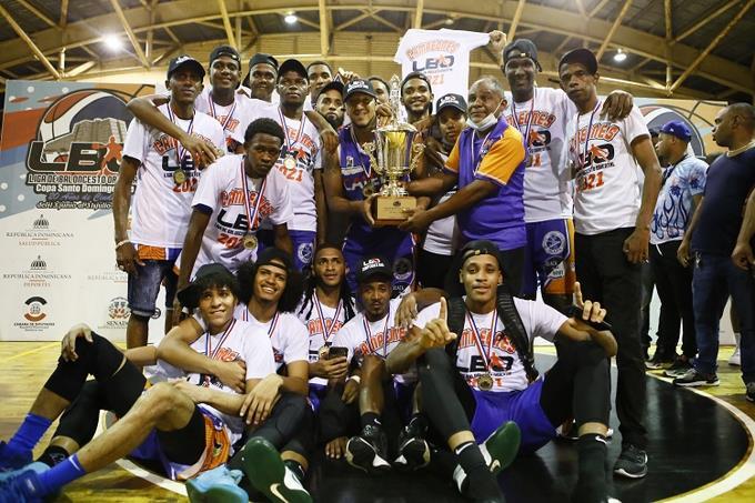 Calero was declared champion of the Super Basketball Tournament in Santo Domingo Este