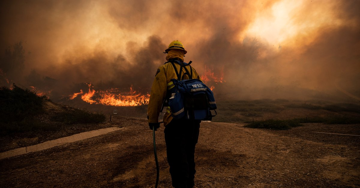 More than 400 people have been evacuated in a fire that has affected 12 states in the United States