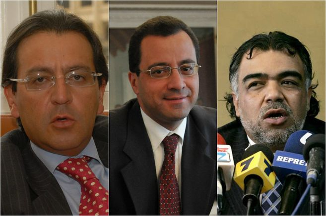 Prosecutor seeks indictment of Uribe government's legal secretary and journalist