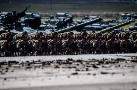 Russia and China set off alarm alerts in the United States with massive military exercises