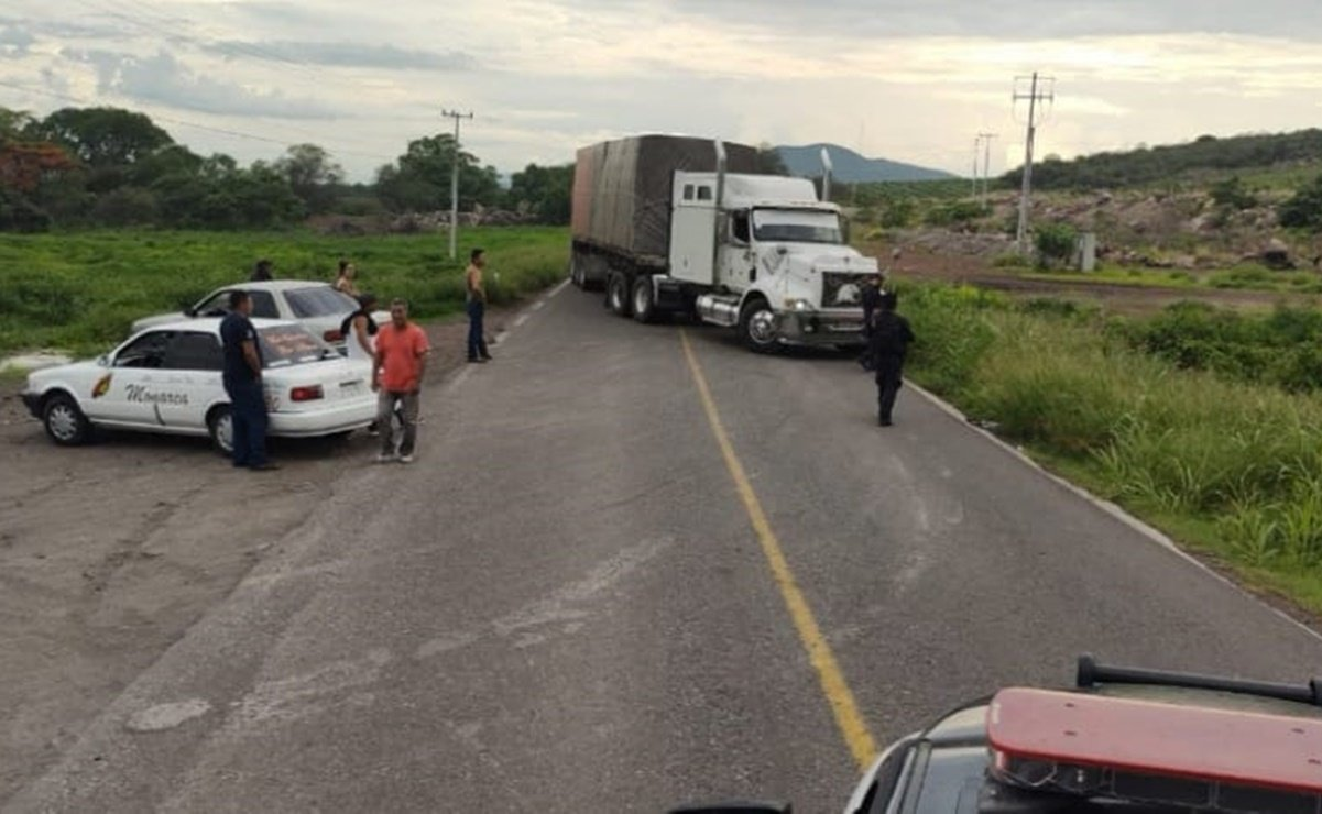 They reported clashes, barricades and burning vehicles in Buenavista, Michoacan